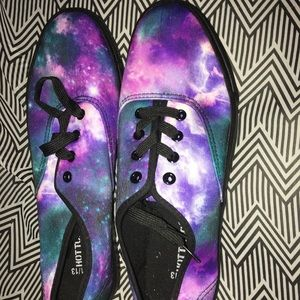 Galaxy sneakers- Size 11